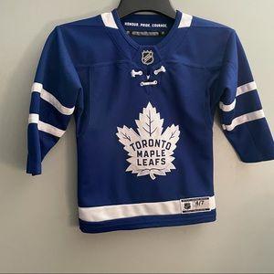 Boys Toronto maple leaf jersey size 4-7